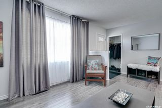 Photo 2: 222 Witney Avenue South in Saskatoon: Meadowgreen Residential for sale : MLS®# SK846981