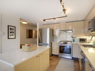 """Photo 10: 305 428 W 8TH Avenue in Vancouver: Mount Pleasant VW Condo for sale in """"XL LOFTS"""" (Vancouver West)  : MLS®# R2184000"""