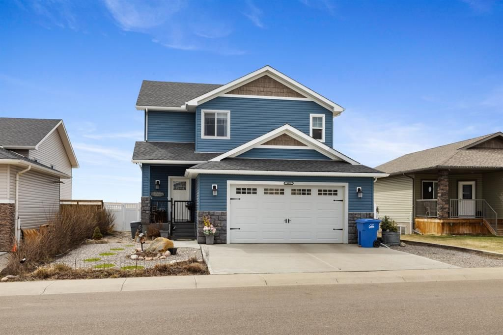 Main Photo: 665 West Highland Crescent: Carstairs Detached for sale : MLS®# A1105133