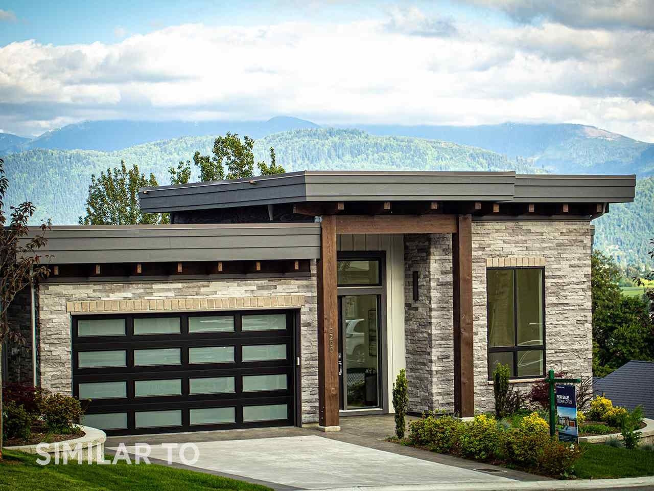 Main Photo: 2224 TIMBERLANE Drive: House for sale in Abbotsford: MLS®# R2527088