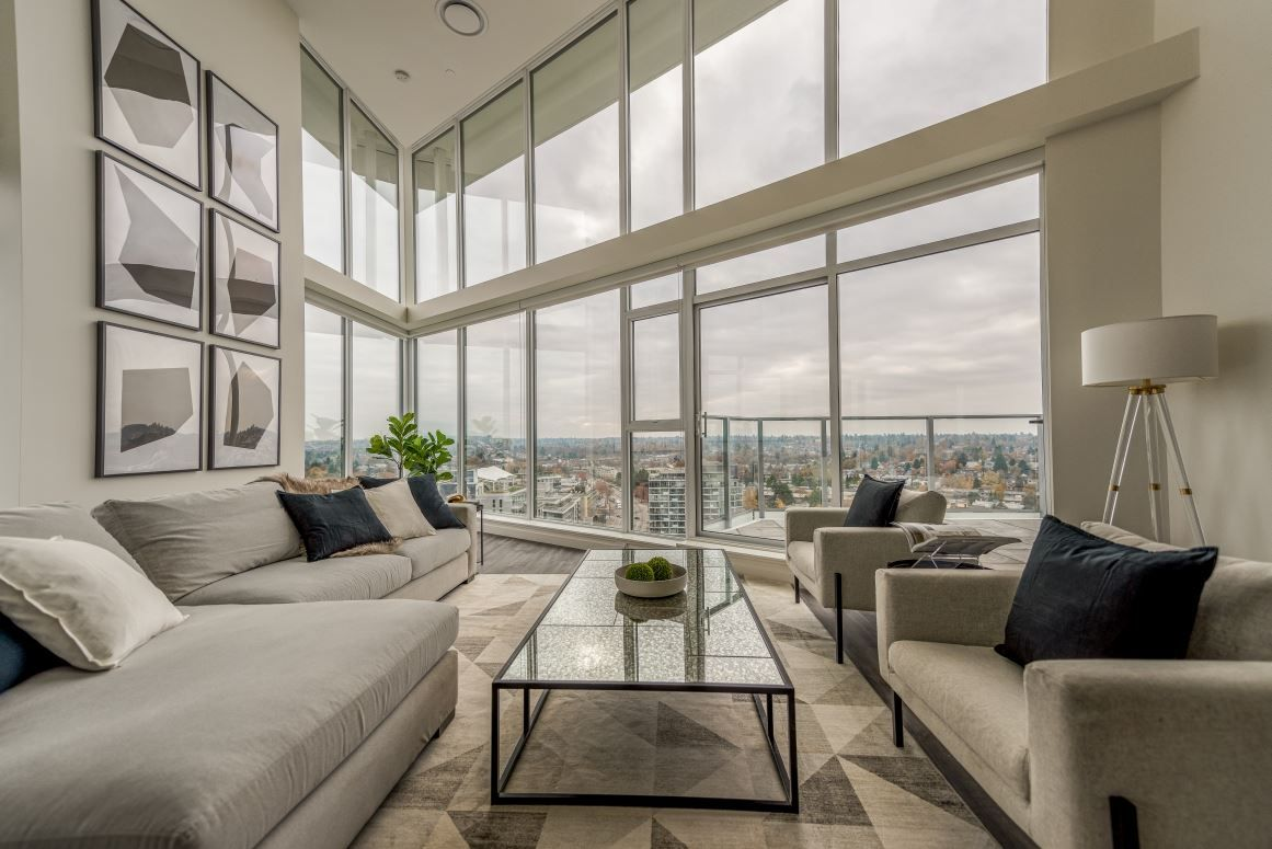 """Main Photo: 2303 285 E 10TH Avenue in Vancouver: Mount Pleasant VE Condo for sale in """"The Independent"""" (Vancouver East)  : MLS®# R2418764"""