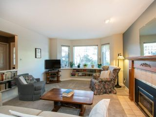 Photo 6: 3320 GARDEN CITY Road in Richmond: West Cambie House for sale : MLS®# R2568135