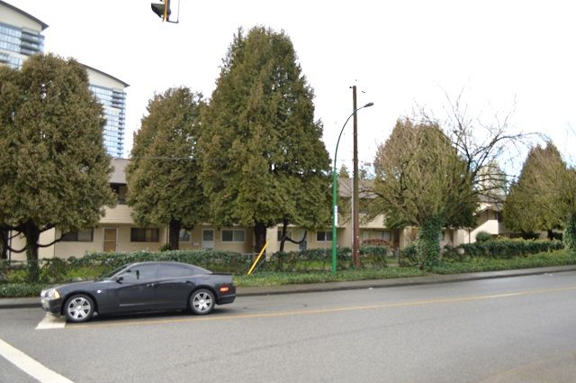 Main Photo: 5658 BROADWAY in Burnaby: Parkcrest Townhouse for sale (Burnaby North)  : MLS®# R2028626
