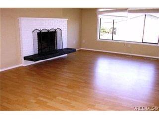 Photo 2:  in VICTORIA: SE Lambrick Park Half Duplex for sale (Saanich East)  : MLS®# 391545