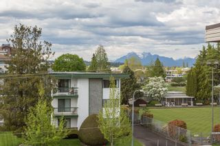 """Photo 23: 309 20460 54 Avenue in Langley: Langley City Condo for sale in """"WHEATCROFT MANOR"""" : MLS®# R2454205"""