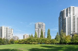 """Photo 35: 908 3663 CROWLEY Drive in Vancouver: Collingwood VE Condo for sale in """"LATITUDE"""" (Vancouver East)  : MLS®# R2625175"""