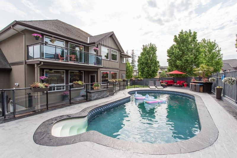 Main Photo: 24771 102A Avenue in Maple Ridge: Albion House for sale : MLS®# R2498977