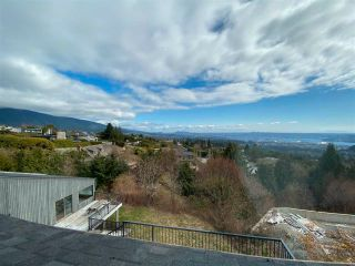 Photo 10: 1328 CRESTWELL Road in West Vancouver: Chartwell House for sale : MLS®# R2575439