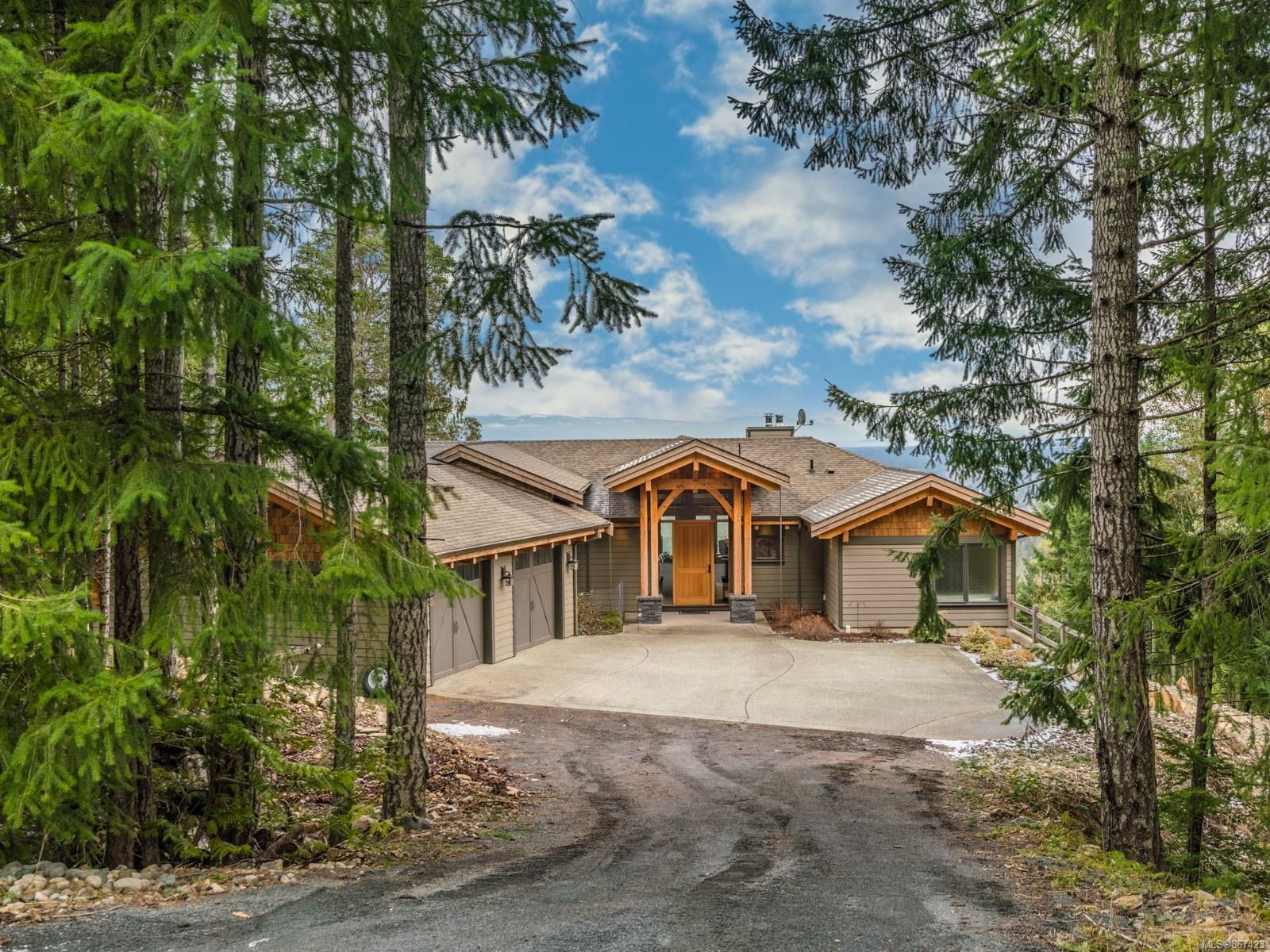 Main Photo: 1740 Warn Way in : PQ Little Qualicum River Village House for sale (Parksville/Qualicum)  : MLS®# 867423