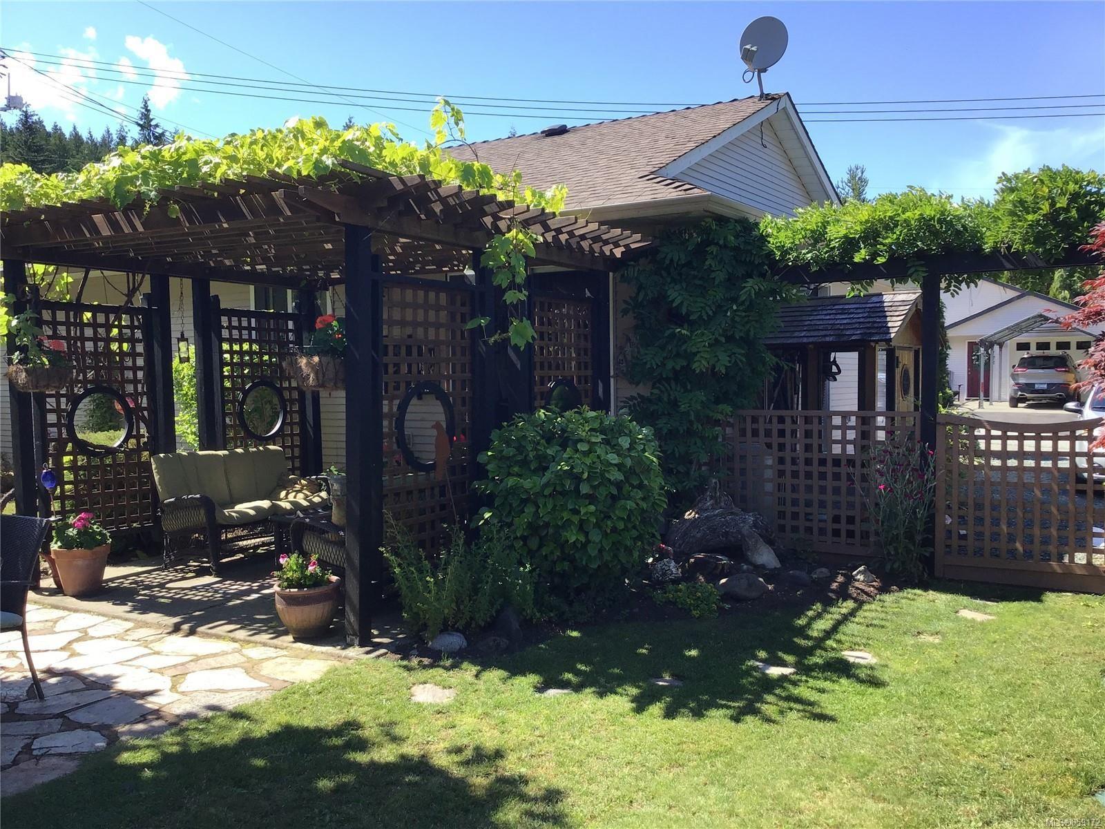 Photo 13: Photos: 1723 Karen's Crt in : PQ Qualicum North House for sale (Parksville/Qualicum)  : MLS®# 859172