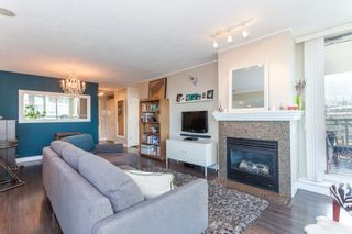 """Photo 5: 901 120 MILROSS Avenue in Vancouver: Mount Pleasant VE Condo for sale in """"The Brighton"""" (Vancouver East)  : MLS®# R2223429"""