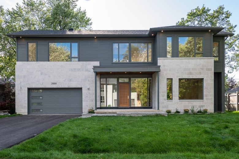 Main Photo: 2000 Oxbow Ave in Ottawa: House for sale