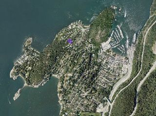 """Photo 27: 6825 HYCROFT Road in West Vancouver: Whytecliff House for sale in """"Whytecliff"""" : MLS®# R2604237"""