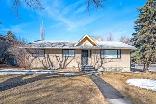 Photo 2: 704 Imperial Way SW in Calgary: Britannia Detached for sale : MLS®# A1081312