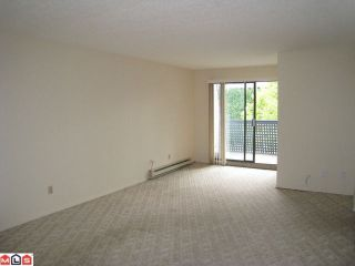 """Photo 3: 213 17661 58A Avenue in Surrey: Cloverdale BC Condo for sale in """"WYNDHAM ESTATES"""" (Cloverdale)  : MLS®# F1128746"""