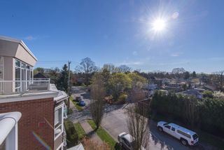 """Photo 14: 402 2288 W 12TH Avenue in Vancouver: Kitsilano Condo for sale in """"CONNAUGHT POINT"""" (Vancouver West)  : MLS®# R2051681"""