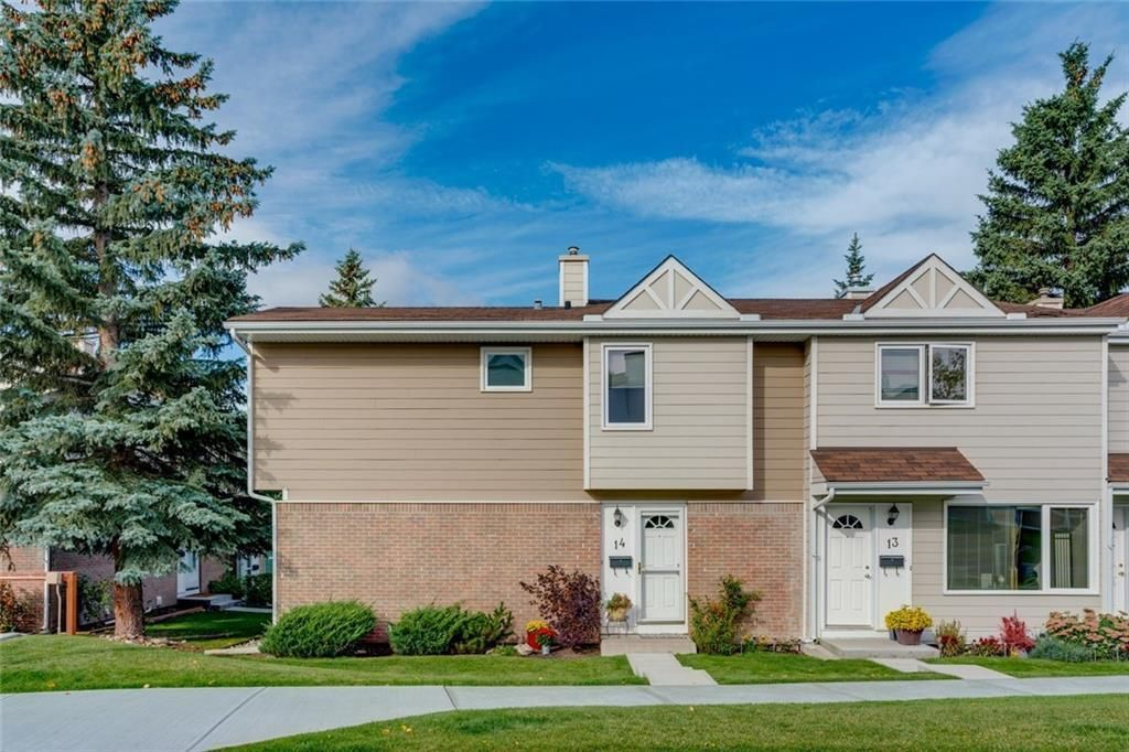 Main Photo: 14 3620 51 Street SW in Calgary: Glenbrook Row/Townhouse for sale : MLS®# C4265108