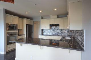Photo 2: 2103 551 AUSTIN AVENUE in Coquitlam: Coquitlam West Condo for sale : MLS®# R2415348