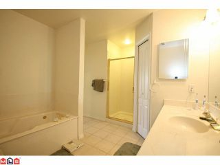"""Photo 6: 25 21746 52ND Avenue in Langley: Murrayville Townhouse for sale in """"Glenwood"""" : MLS®# F1121585"""