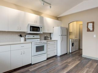 Photo 7: 533 50 Avenue SW in Calgary: Windsor Park Detached for sale : MLS®# A1063858