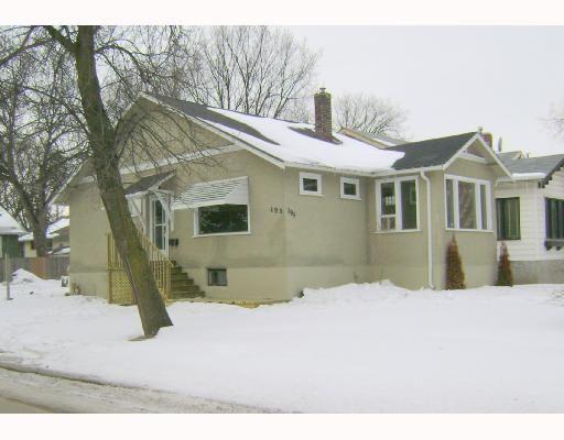 Main Photo: 195 LANARK Street in WINNIPEG: River Heights / Tuxedo / Linden Woods Residential for sale (South Winnipeg)  : MLS®# 2804214
