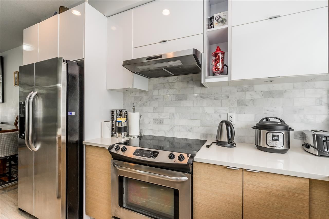 """Photo 13: Photos: 23 14433 60 Avenue in Surrey: Sullivan Station Townhouse for sale in """"BRIXTON"""" : MLS®# R2463220"""