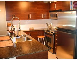 """Photo 4: 501 833 AGNES Street in New_Westminster: Downtown NW Condo for sale in """"NEWS"""" (New Westminster)  : MLS®# V662444"""