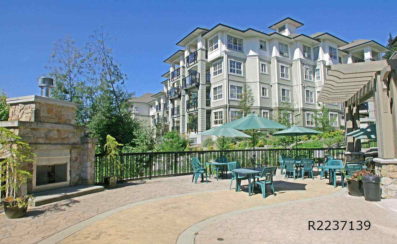"""Photo 14: Photos: 309 2968 SILVER SPRINGS Boulevard in Coquitlam: Westwood Plateau Condo for sale in """"TAMARISK"""" : MLS®# R2237139"""