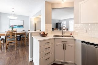 Photo 12: 18 SOMERSIDE Close SW in Calgary: Somerset House for sale : MLS®# C4174263