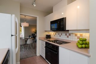 """Photo 15: 301 1566 W 13 Avenue in Vancouver: Fairview VW Condo for sale in """"Royal Gardens"""" (Vancouver West)  : MLS®# R2011878"""