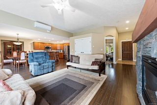 Photo 3: 2102 Robert Lang Dr in : CV Courtenay City House for sale (Comox Valley)  : MLS®# 877668