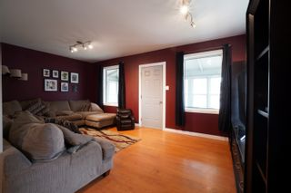 Photo 5: 45 6th Street NE in Portage la Prairie: House for sale : MLS®# 202112294