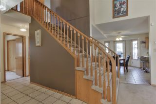 Photo 18: 9822 175 Avenue in Edmonton: Zone 27 House for sale : MLS®# E4239309