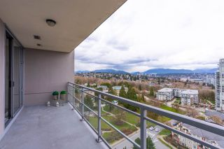 "Photo 2: 1703 280 ROSS Drive in New Westminster: Fraserview NW Condo for sale in ""THE CARLYLE AT VICTORIA HILL"" : MLS®# R2554815"
