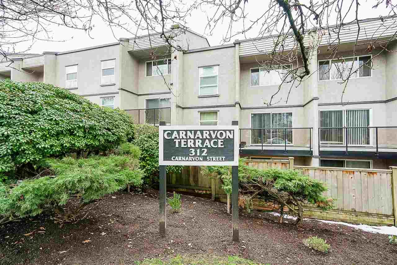 "Main Photo: 211 312 CARNARVON Street in New Westminster: Downtown NW Condo for sale in ""CARNARVON TERRACE"" : MLS®# R2241320"