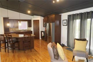 Photo 4: 95 Chester Avenue in Arnaud: Residential for sale (R17)  : MLS®# 1926085