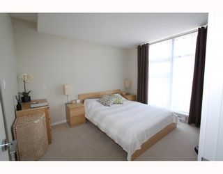 """Photo 10: 2905 2289 YUKON Crescent in Burnaby: Brentwood Park Condo for sale in """"Watercolours"""" (Burnaby North)  : MLS®# V777043"""