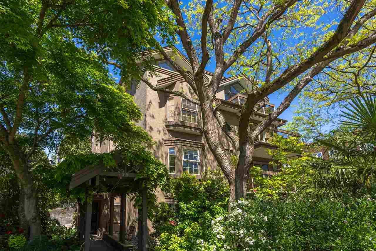 """Main Photo: 203 1689 E 4TH Avenue in Vancouver: Grandview Woodland Condo for sale in """"Angus Manor"""" (Vancouver East)  : MLS®# R2580870"""