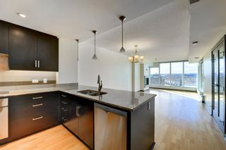 Photo 7: 902 888 4 Avenue SW in Calgary: Downtown Commercial Core Apartment for sale : MLS®# A1078315