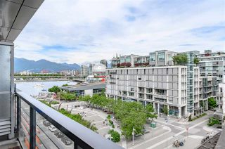 "Photo 11: 703 123 W 1ST Avenue in Vancouver: False Creek Condo for sale in ""Compass"" (Vancouver West)  : MLS®# R2404404"