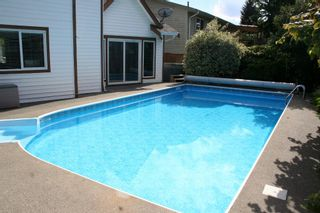 Photo 2: 3671 FIFE Place in Abbotsford: Central Abbotsford House for sale : MLS®# R2342060