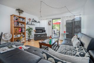 "Photo 4: 24 17700 60 Avenue in Surrey: Cloverdale BC Townhouse for sale in ""Clover Park Garden"" (Cloverdale)  : MLS®# R2613532"