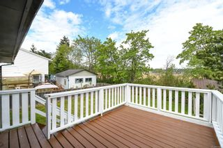 Photo 4: 2442 Fitzgerald Ave in : CV Courtenay City House for sale (Comox Valley)  : MLS®# 874631