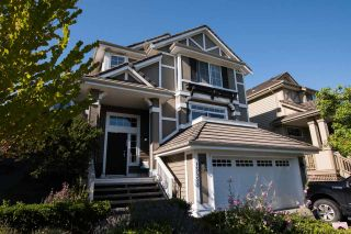 """Photo 1: 15555 ROSEMARY HEIGHTS Crescent in Surrey: Morgan Creek House for sale in """"MORGAN CREEK"""" (South Surrey White Rock)  : MLS®# R2480993"""