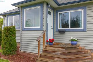 Photo 2: 193 Helmcken Rd in VICTORIA: VR View Royal House for sale (View Royal)  : MLS®# 812020