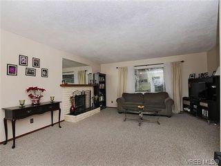 Photo 3: 1261 Vista Hts in VICTORIA: Vi Hillside House for sale (Victoria)  : MLS®# 628171