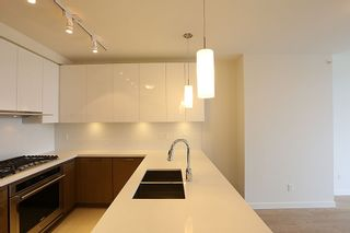 """Photo 2: 2706 3080 LINCOLN Avenue in Coquitlam: North Coquitlam Condo for sale in """"1123 WESTWOOD"""" : MLS®# R2318657"""