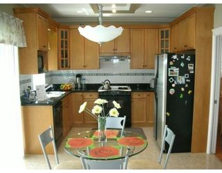 Photo 4: 9408 DIXON AV in Richmond: 52 Garden City House for sale : MLS®# V588354