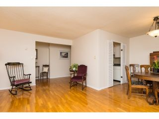"""Photo 7: 911 555 W 28TH Street in North Vancouver: Upper Lonsdale Condo for sale in """"CEDAR BROOKE VILLAGE"""" : MLS®# R2027545"""
