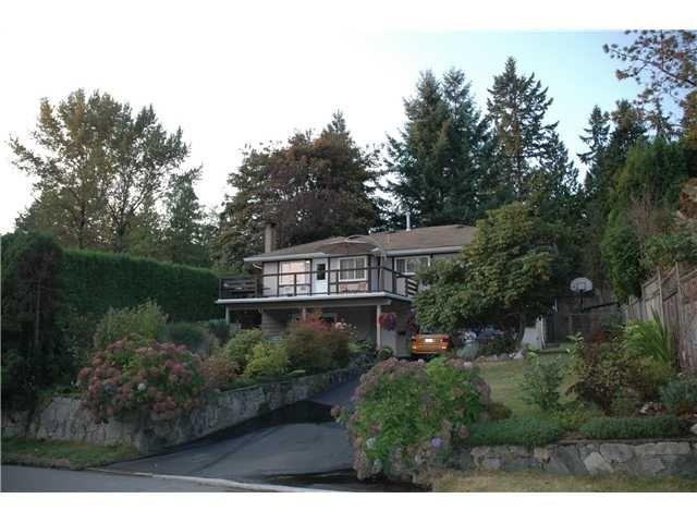 Main Photo: 3156 STRATHAVEN Lane in North Vancouver: Windsor Park NV House for sale : MLS®# V973717